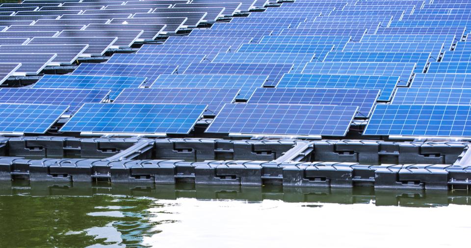 placa fotovoltaica flutuante