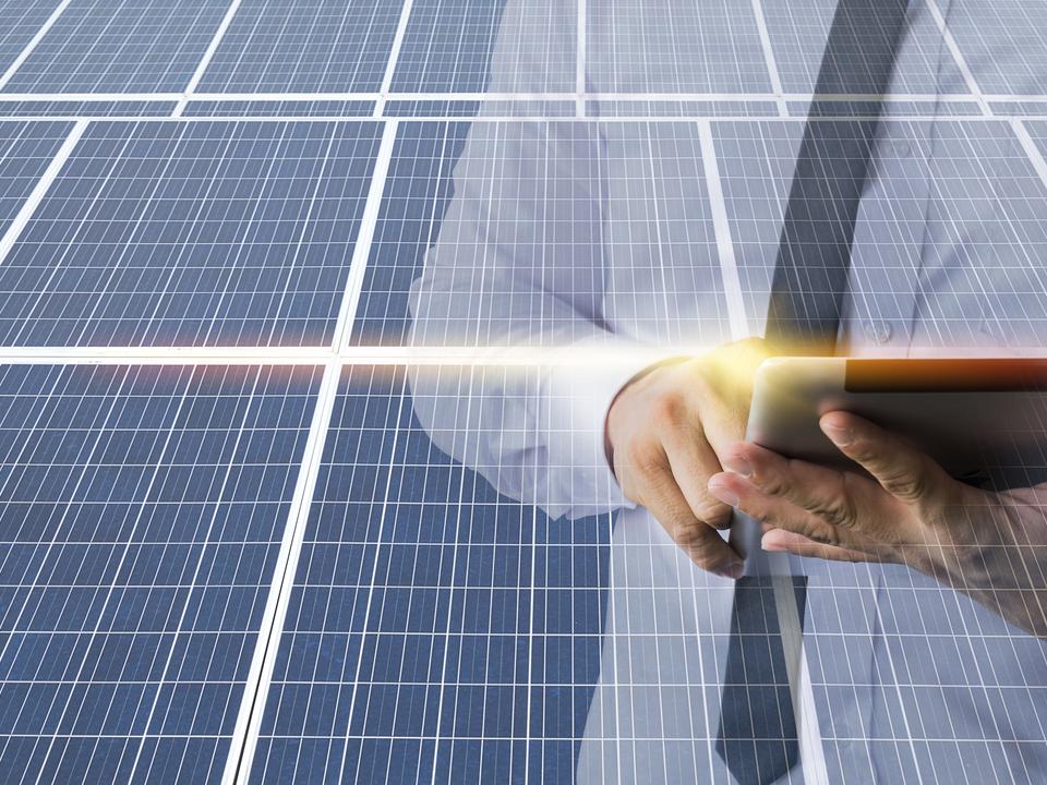 Empresas utilizam a energia solar como parte da estratégia de marketing