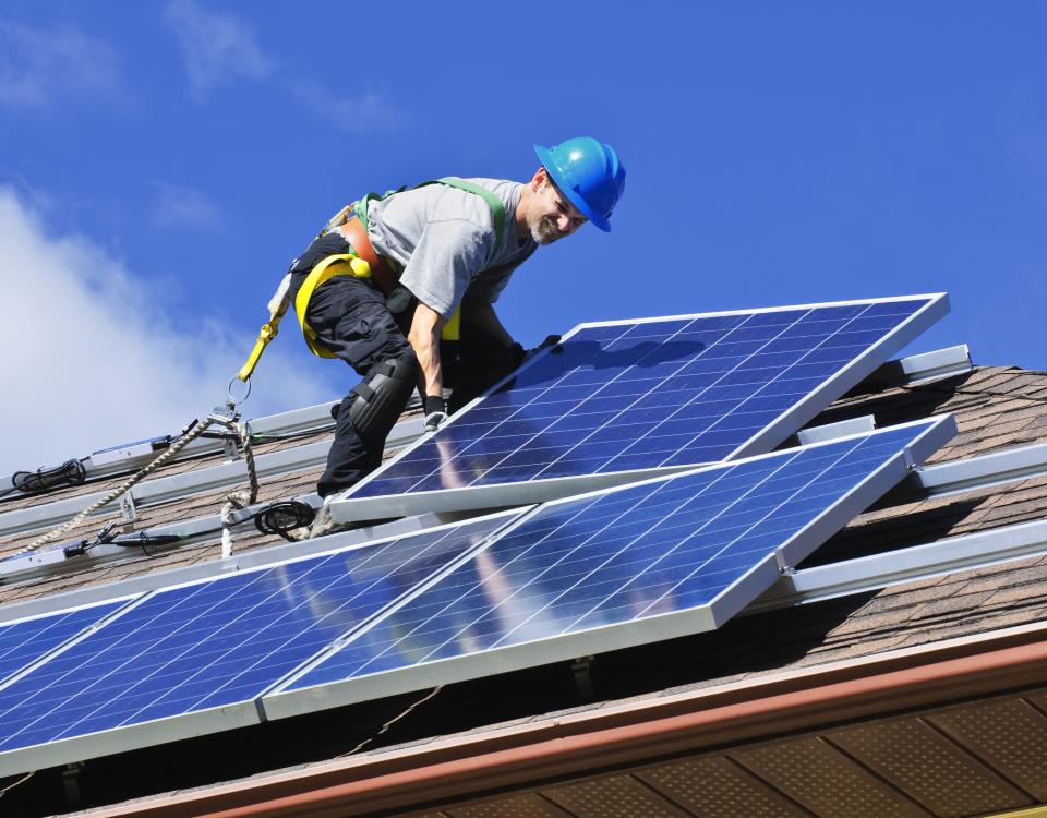Da contratação à instalação do sistema solar fotovoltaico